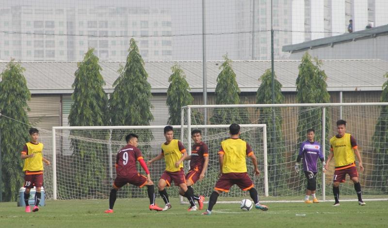 ĐT U23 Việt Nam thiếu vắng nhiều cầu thủ trong buổi tập đầu tiên 4