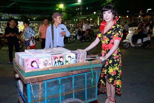 'Bà tám' Long Nhật diện váy hoa làm náo loạn sự kiện 2