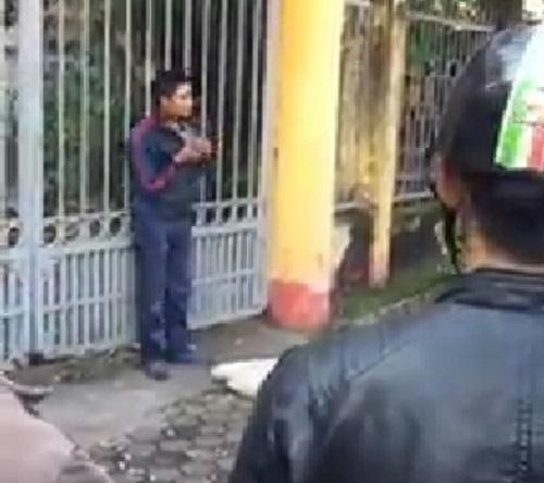 Thanh niên cướp xe máy không thành, cầm dao đòi tự tử 1