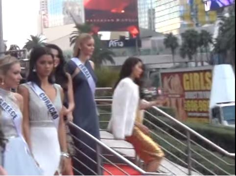 Clip gây tranh cãi về cách hành xử của Phạm Hương tại Hoa hậu Hoàn vũ 2015 1