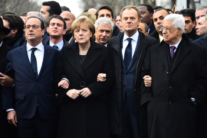 """10 bức ảnh tiết lộ lý do bà Merkel trở thành """"nhân vật của năm 2015"""" 1"""