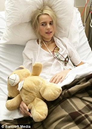 Cô gái 17 tuổi suýt mất mạng sau khi tuyệt thực giảm béo 4