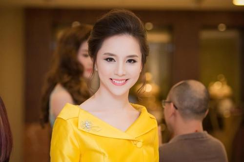 Những Hoa hậu có gia thế 'khủng' nhất showbiz Việt 4