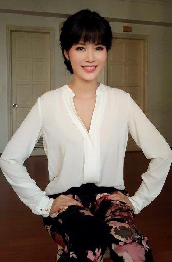 Những Hoa hậu có gia thế 'khủng' nhất showbiz Việt 6