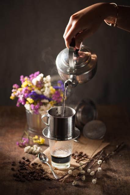 Cà phê phin Việt Nam: Một trong mười cách uống độc đáo thế giới 1