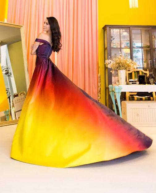 Ngỡ ngàng với chiếc váy dạ hội của Lan Khuê 1