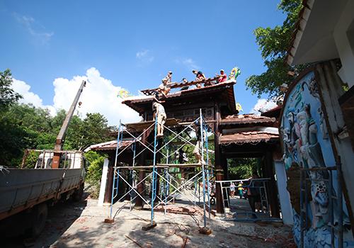 Cận cảnh tháo dỡ biệt phủ 100 tỷ của đại gia vàng ở Đà Nẵng 1
