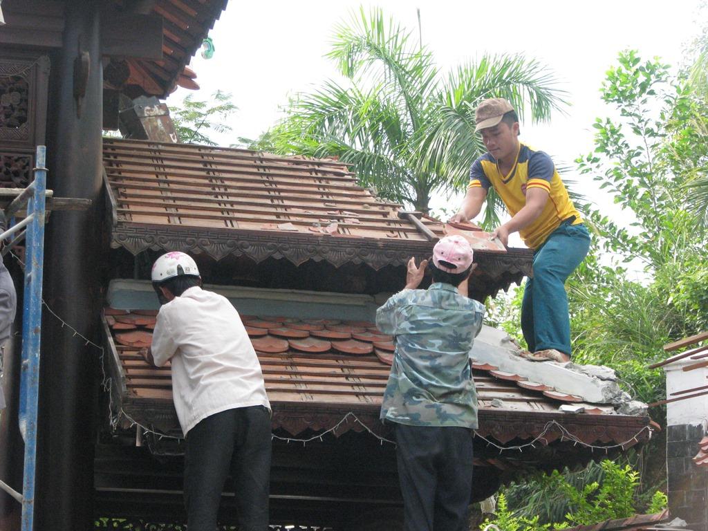 Cận cảnh tháo dỡ biệt phủ 100 tỷ của đại gia vàng ở Đà Nẵng 3