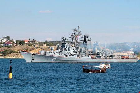 Khu trục hạm Nga bắn cảnh cáo tàu Thổ Nhĩ Kỳ 1