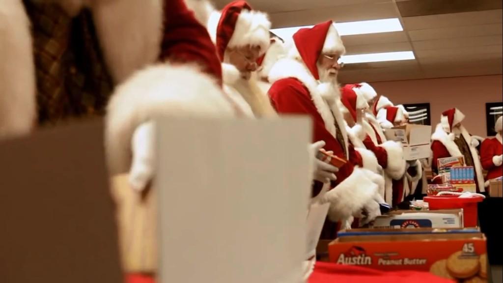 Cận cảnh ngôi trường đào tạo ông già Noel lớn nhất nước Mỹ 4
