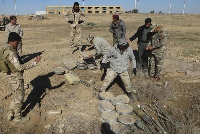 Tận mắt xem kho vũ khí đồ sộ của IS