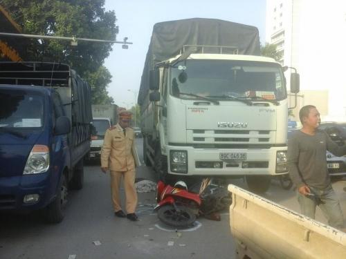 Tai nạn giao thông chết người trên đường Phạm Văn Đồng 1