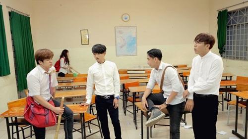 Day dứt mối tình học trò trong MV 'Sao em buông tay anh' của Khánh Phong 4