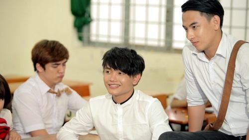 Day dứt mối tình học trò trong MV 'Sao em buông tay anh' của Khánh Phong 2