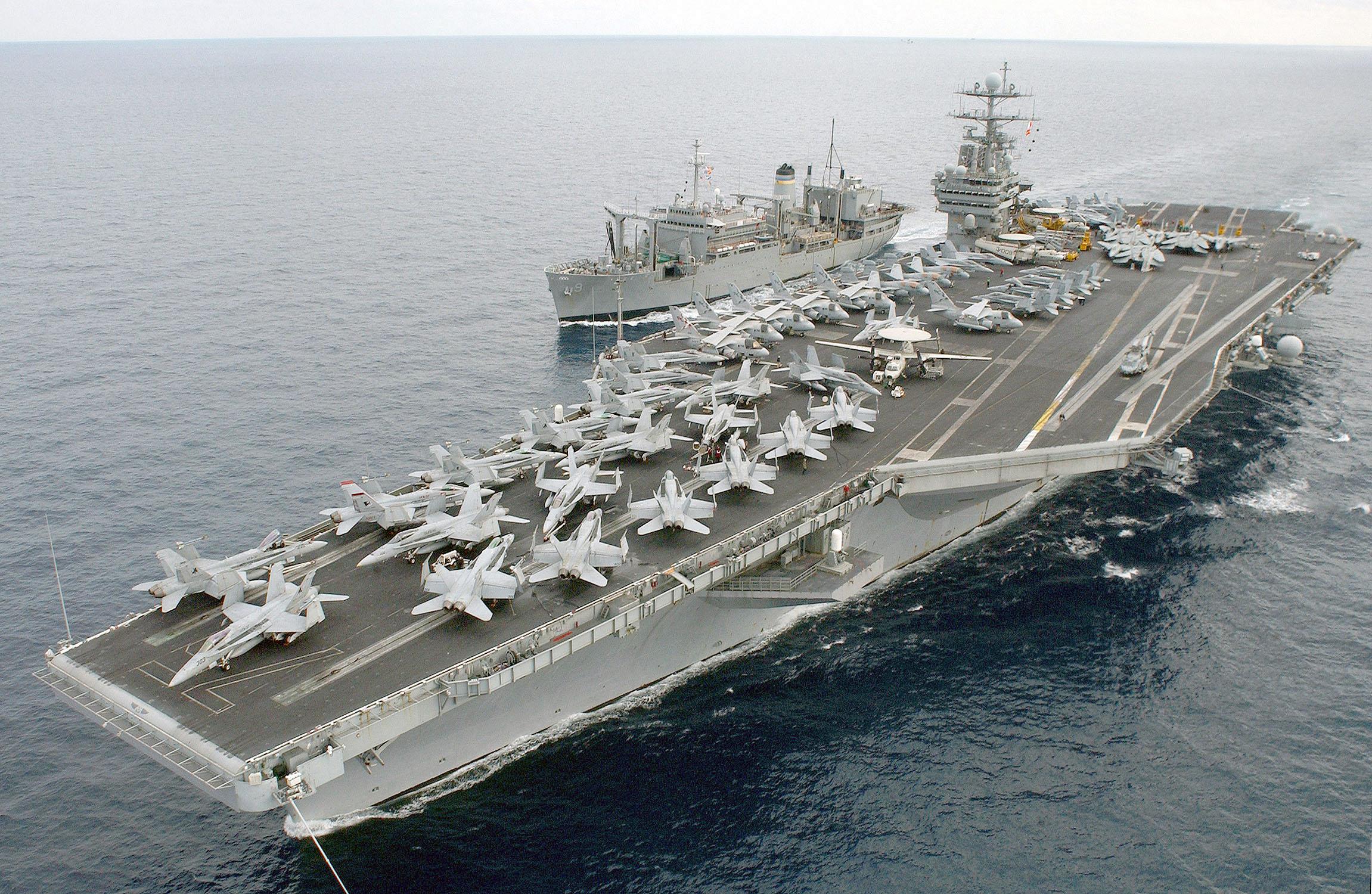 Mỹ đưa tàu sân bay hạt nhân đến 'quét sạch' IS ở Trung Đông 1
