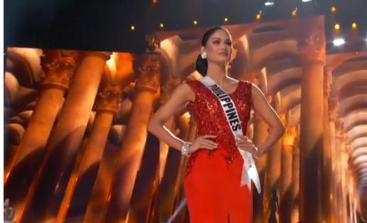 Hoa hậu Hoàn vũ 2015: Mãn nhãn nhan sắc của Phạm Hương trong đêm bán kết 9