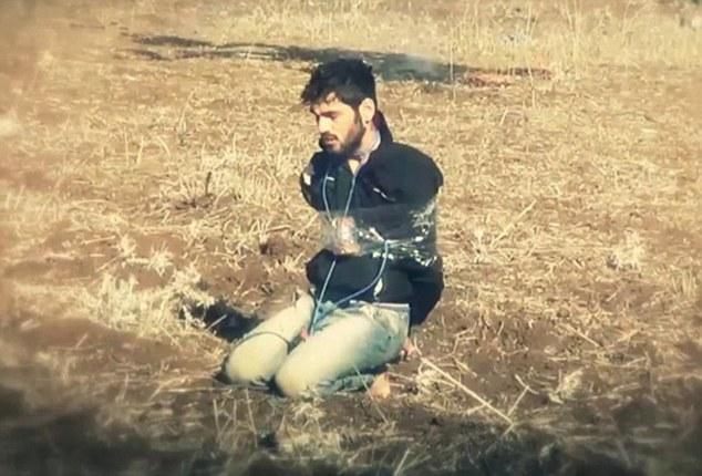 Bắt chước IS, các nhóm phiến quân Syria tẩm xăng, tiêu diệt đối thủ 2