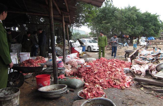 Hà Nội: Kinh hoàng phát hiện hơn 60 tấn da trâu bò, mỡ bẩn 1