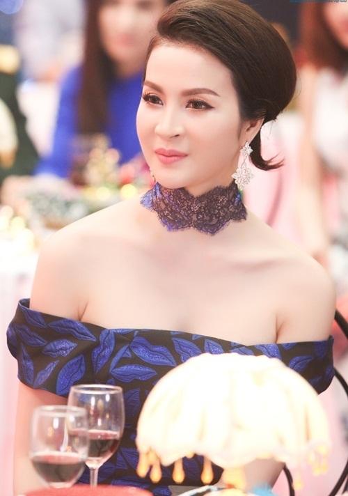 Ngỡ ngàng sắc đẹp của MC Thanh Mai ở tuổi 50 2