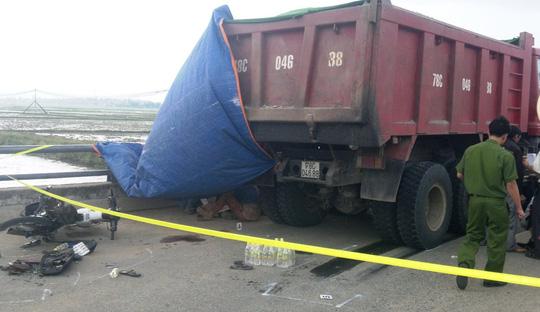 Tai nạn giao thông nghiêm trọng, 2 thiếu nữ chết thảm 1