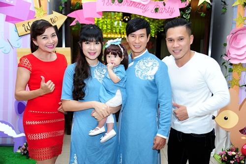 Lý Hải - Minh Hà tưng bừng làm tiệc thôi nôi cho con gái 8