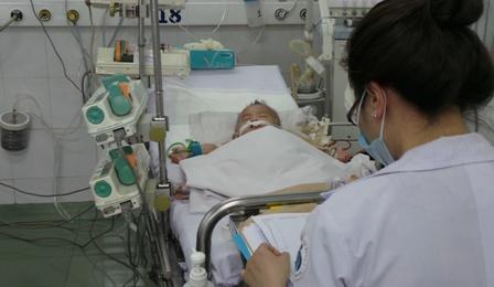Hy hữu bệnh nhi sốc sốt xuất huyết được cứu sống thành công 1