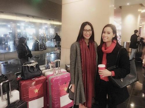 Phạm Hương một mình xách vali đi du lịch sau Hoa hậu Hoàn vũ 2
