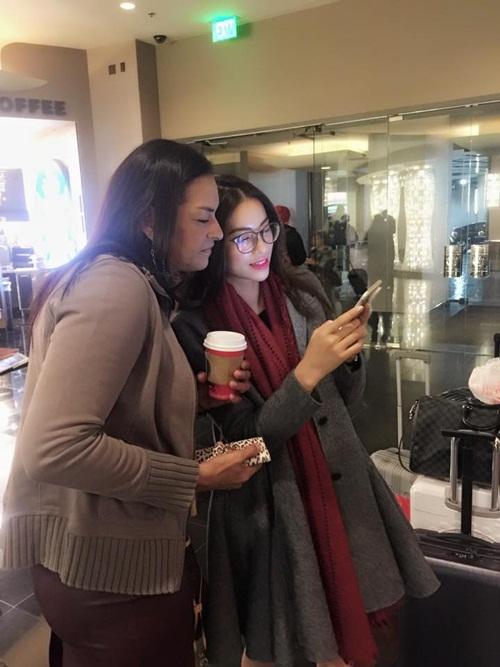 Phạm Hương một mình xách vali đi du lịch sau Hoa hậu Hoàn vũ 3