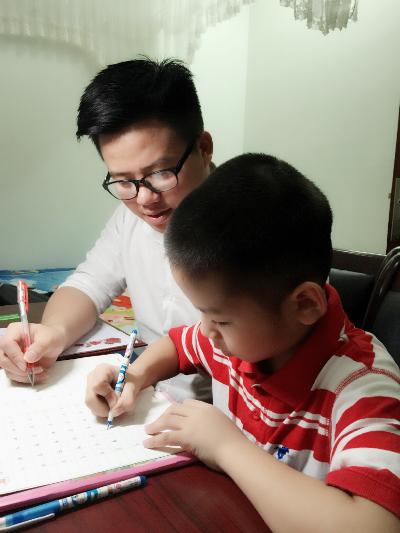 Chân dung nam sinh xứ Nghệ viết chữ đẹp như in 3