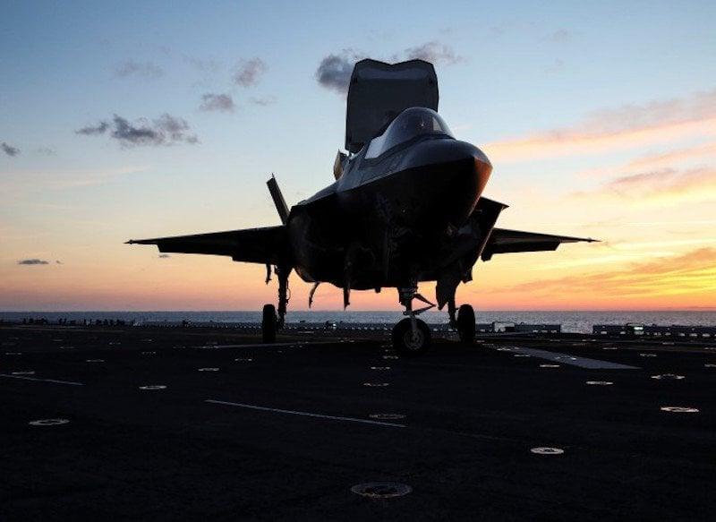 15 hình ảnh đẹp nhất của F-35 trong năm 2015 14