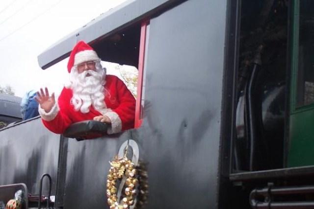 Ông già Noel trên thế giới di chuyển bằng gì? 6