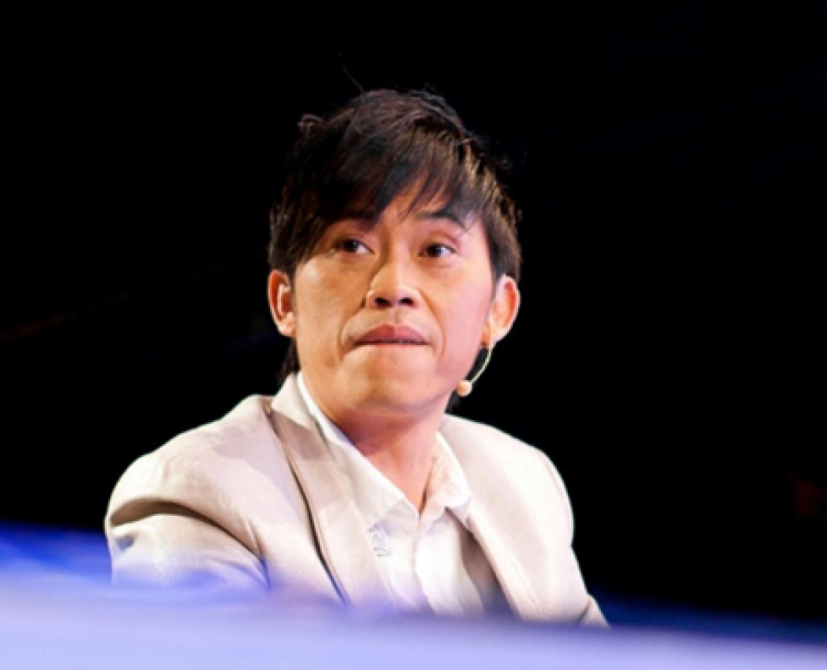 http://media.tinmoi.vn/2015/12/25/hoai-linh-1.jpg