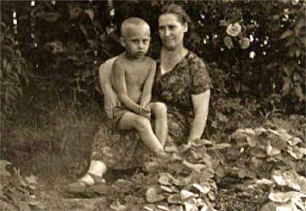 Ảnh hiếm thời thơ ấu của Tổng thống Nga Putin 2