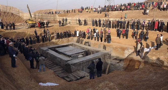 Trung Quốc tìm được số tiền vàng kỷ lục khi khai quật mộ vua 1