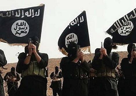 Bốn chiến binh IS bị hành quyết, bêu đầu để trả thù 1