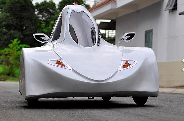 Hình ảnh Sinh viên Việt chế xe ô tô chạy 200km hết 1 lít cồn số 1