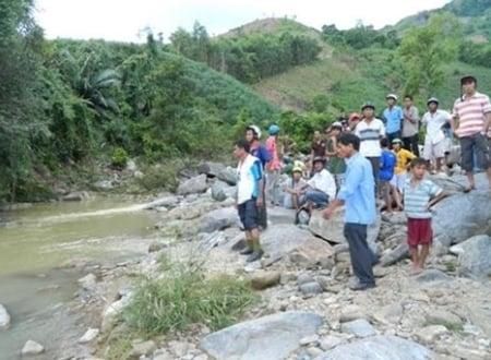 2 vợ chồng mất tích ở Quảng Ngãi: Thi thể người chồng mắc vào hòn đá dưới suối 1