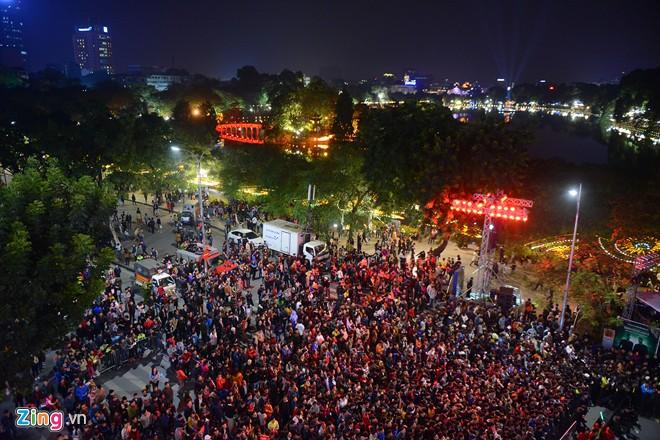 Hình ảnh Việt Nam háo hức đón chào năm mới 2016 số 1