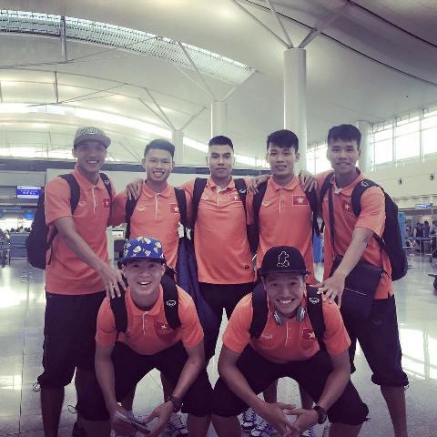 Hình ảnh Vừa đến Qatar, cầu thủ U23 Việt Nam gửi lời chúc Tết đến người hâm mộ số 1