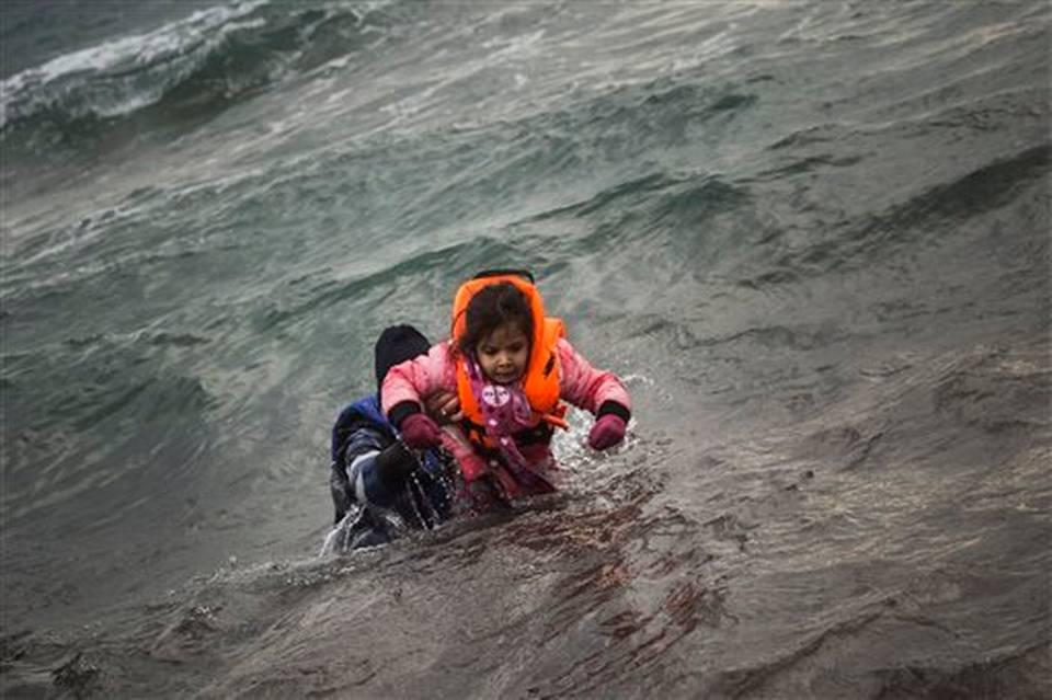Bé trai 2 tuổi – nạn nhân đầu tiên trong cuộc di cư năm 2016 1