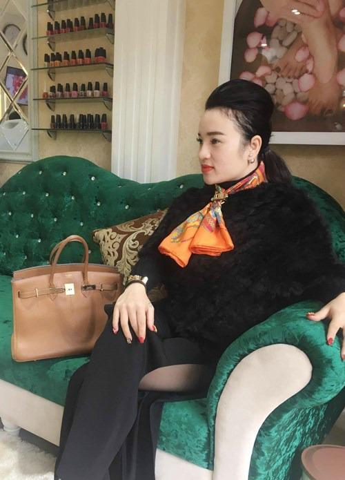 Bộ sưu tập hàng hiệu 5 tỷ của nữ đại gia 8X Thanh Hóa 1