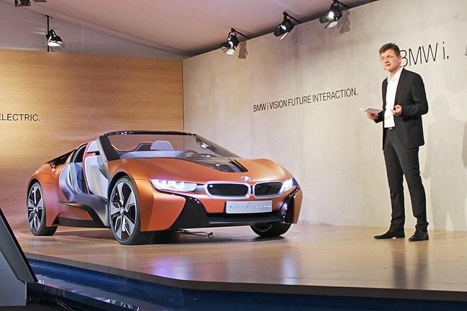 Ra mắt concept BMW i8 mui trần tự lái 4