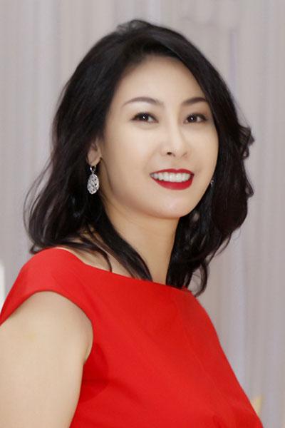 Những phần ứng xử làm nên tên tuổi của các Hoa hậu Việt 1