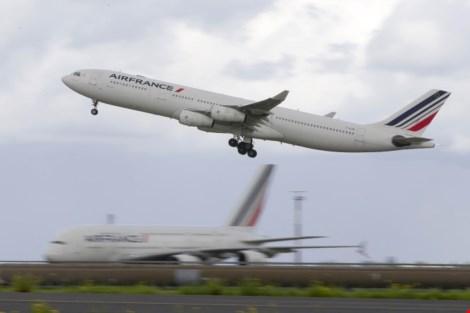 Phát hiện thi thể nam giới trong khoang hạ cánh máy bay Pháp 1