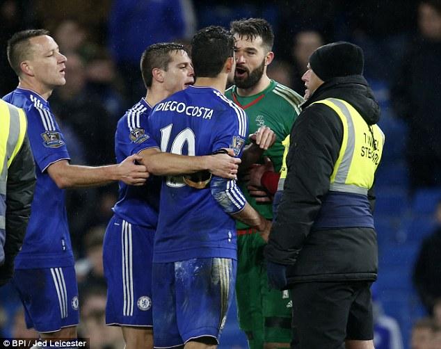 Chelsea bị cầm hòa, Costa đấm thủng tường sân Stamford Bridge 1