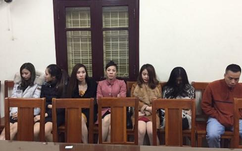 Nữ nhân viên Karaoke phục vụ khách Trung Quốc, dương tính với ma túy 2