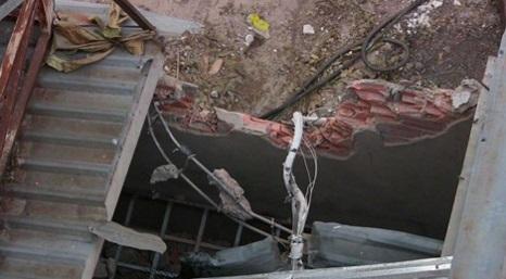 Giàn ép cột bê tông nặng gần 10 tấn bất ngờ đổ sập 1