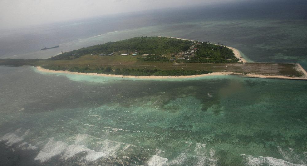 Trung Quốc cảnh báo phi cơ Philippines bay gần đảo nhân tạo 1
