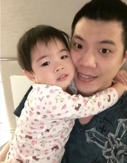 Huỳnh Dịch bị chồng cũ tung clip tố bạo hành con gái 1