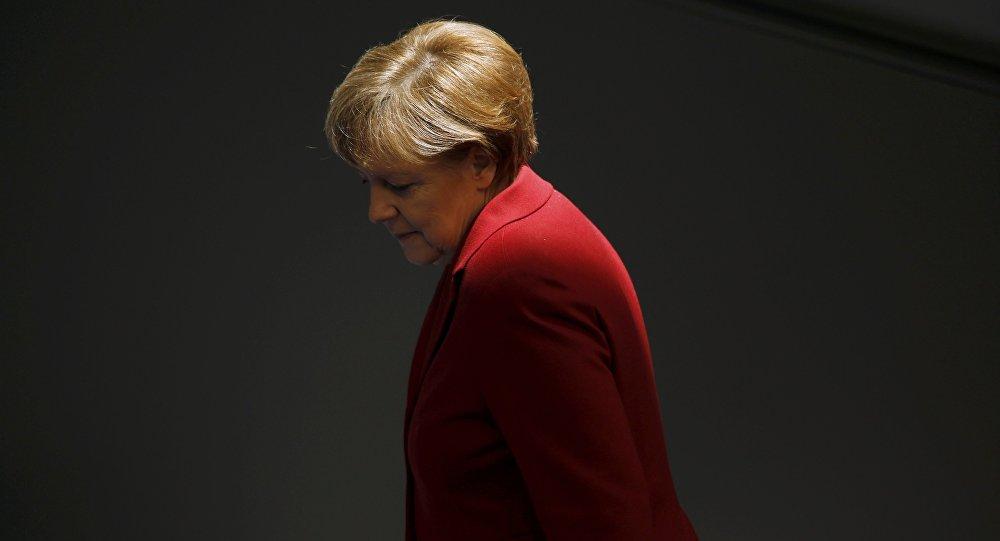 """Thủ tướng Đức """"đơn thương độc mã"""" trên đỉnh cao 1"""